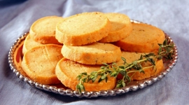 Thumbnail image for Savory Parmesan and Thyme Crackers