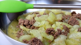 Thumbnail image for Schmorgurken Hackfleisch Pfanne/ German Cucumber Ground Beef Stir Fry