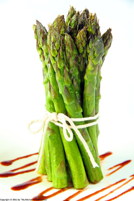 022+a1 Pomegranate Vinaigrette on Roasted Asparagus