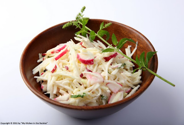 022+a3 German Kohlrabi Apple Radish Salad