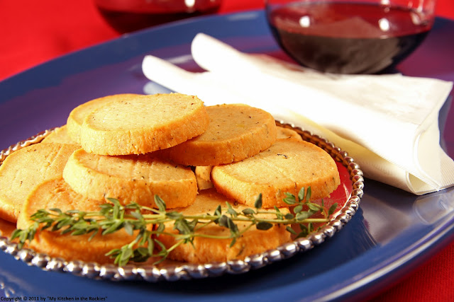 043+a Savory Parmesan and Thyme Crackers