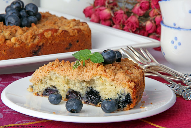 091+a Blueberry Walnut Streusel Cake