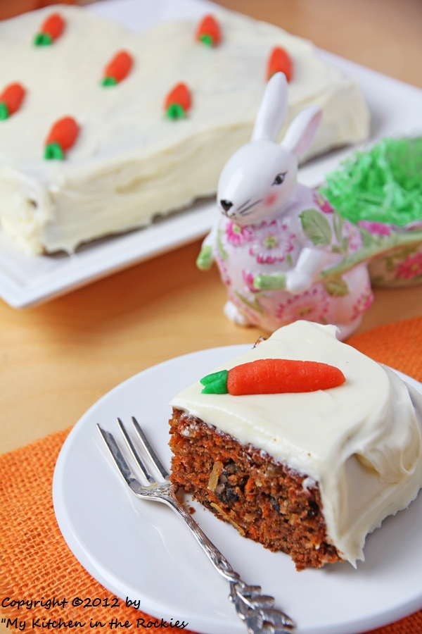 044 a 600 Happy Easter and a Carrot Cake
