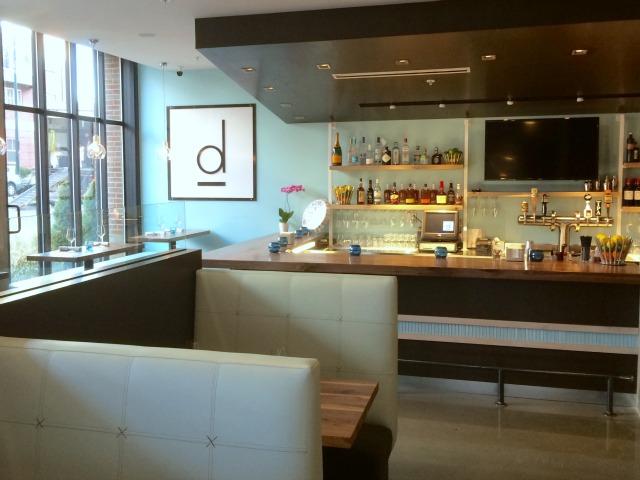 D Bar, bar area
